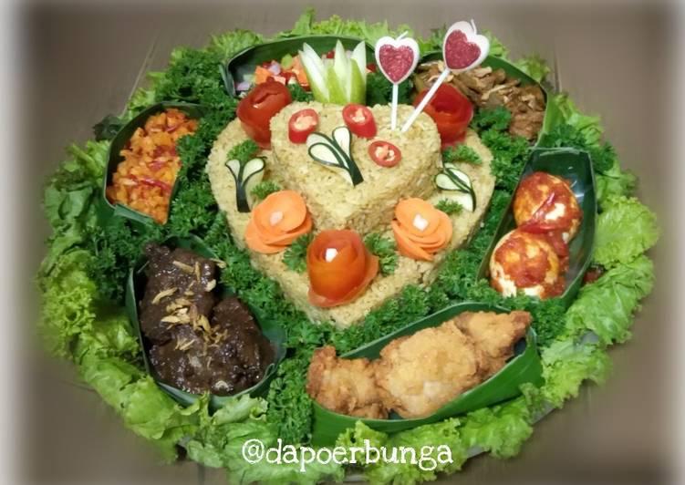 Tumpeng Nasi Minyak Khas Palembang