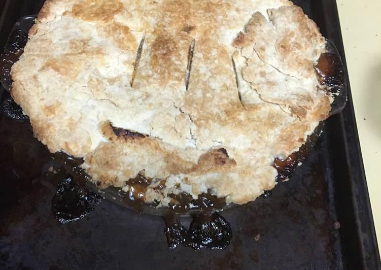 How to Prepare Tasty Grandma's Raisin Pie