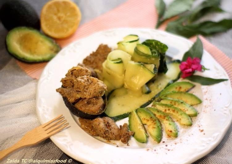 Keto-Salteado de Pollo Picante con Calabacín y Aguacate