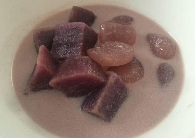 Kolak ubi ungu dengan kolang kaling