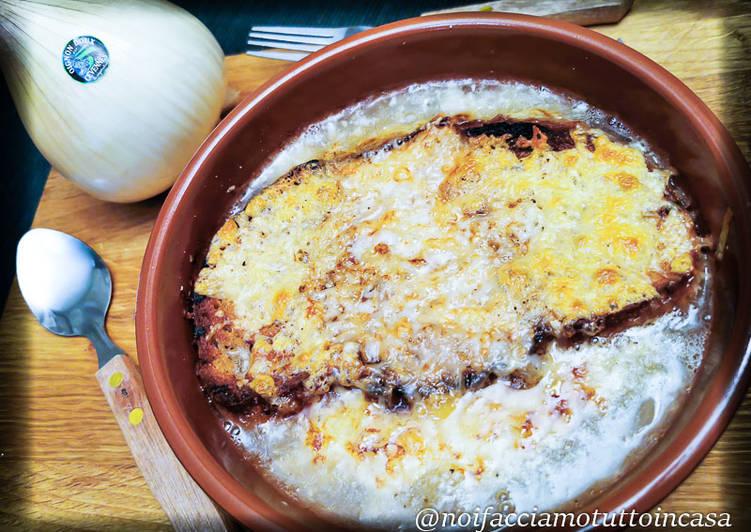 Ricetta Zuppa di Cipolle Gratinata al Forno