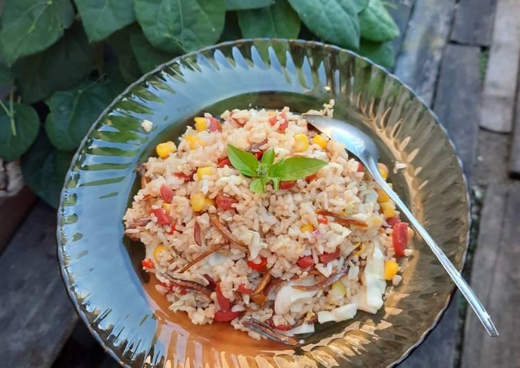 Nasi Goreng Bawang Putih Spesial