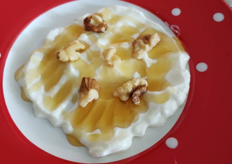 Easiest Way to Prepare Award-winning Yoghurt with honey 🍯 and pecan