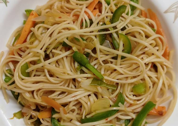 Steps to Prepare Perfect Hakka Noodles