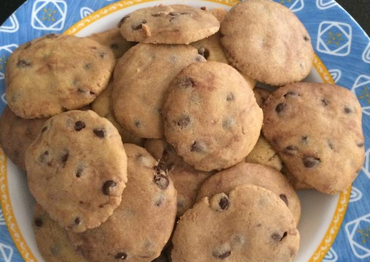 Choco chip cookies renyah