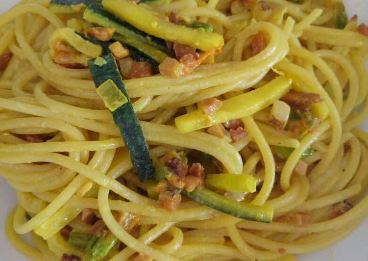 Simple Way to Prepare Favorite Spaghetti with speck, courgette and pumpkin flowers