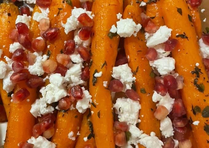 wie man Um Hausgemachte Möhren aus dem Ofen mit Granatapfel und Feta (vegetarisch) zu machen