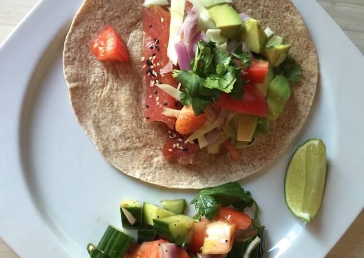 Fresh tuna taco / Cajun sauce
