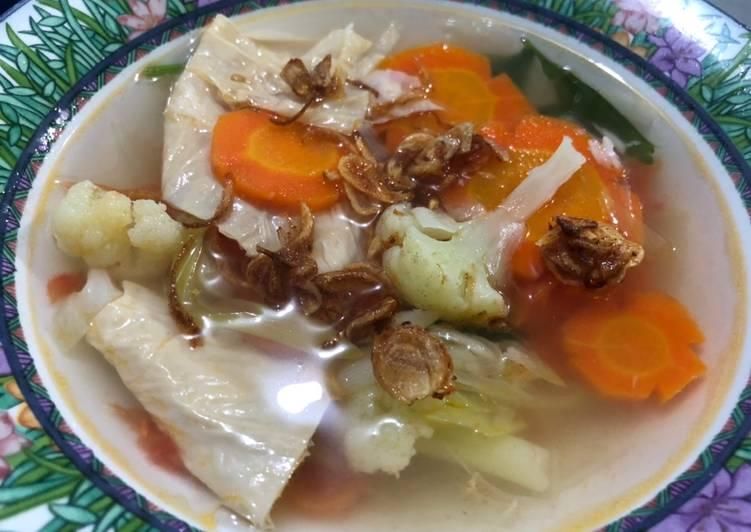 Sup Ayam Sayur dan Kembang Tahu