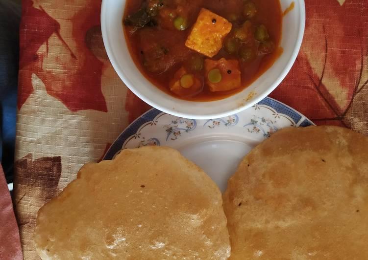 25 Minute Recipe of Speedy PMP (paneer matar n poories) Delicious breakfast for weekend!