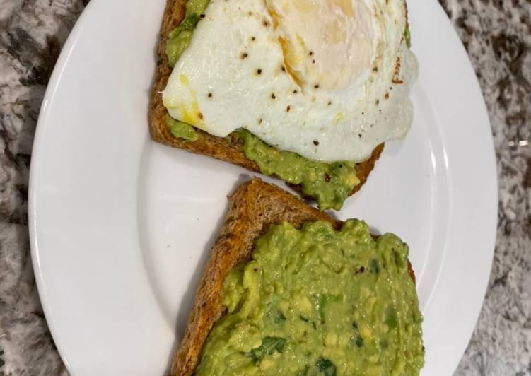 Avocado toast and 🥚