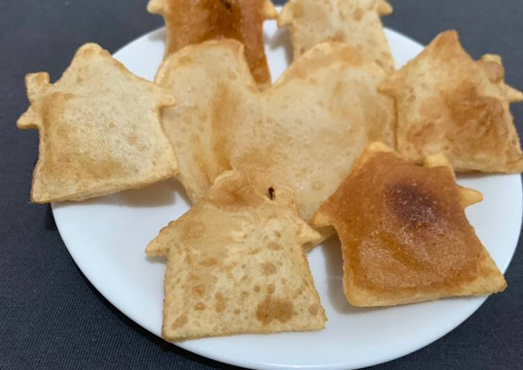 Puri in Heart and hut shape