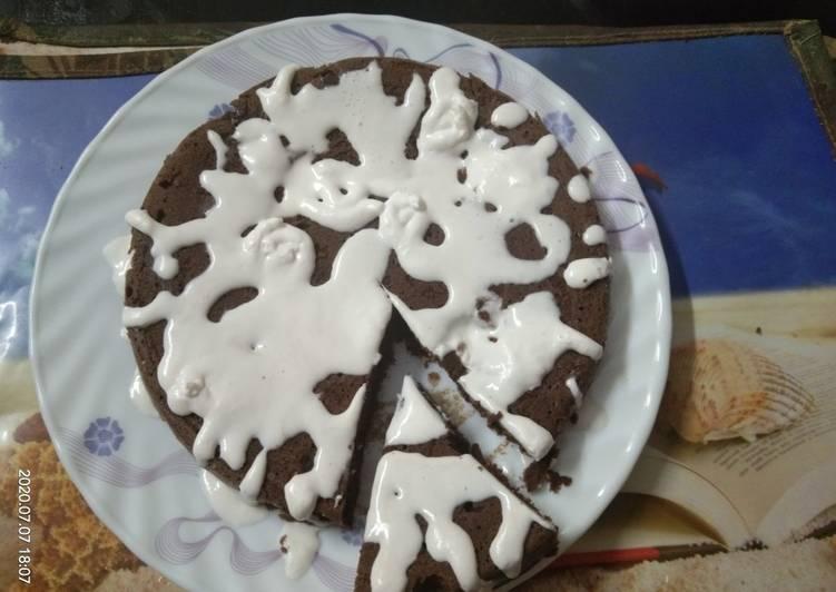 Cocoa Powder Cake With Fresh Cream