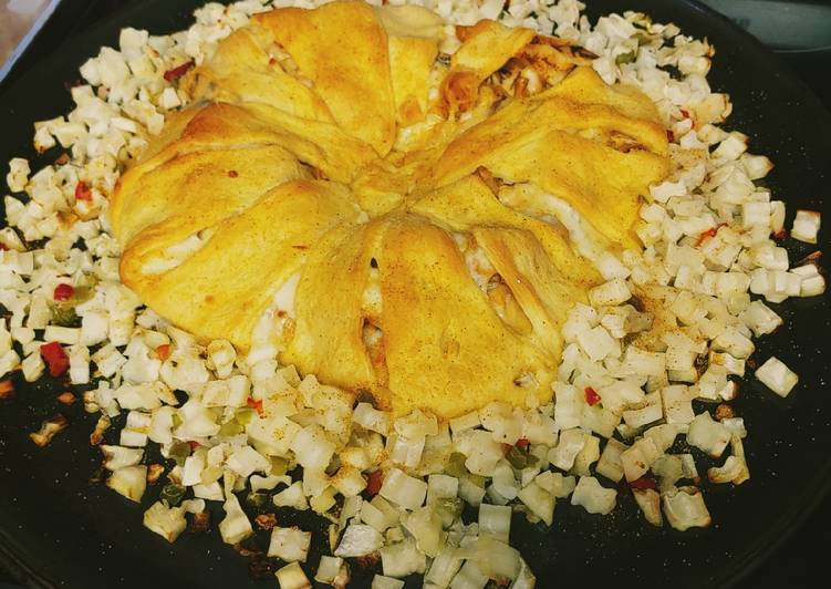 Quick 'n Easy Buffalo Ranch Chicken Crescent Ring