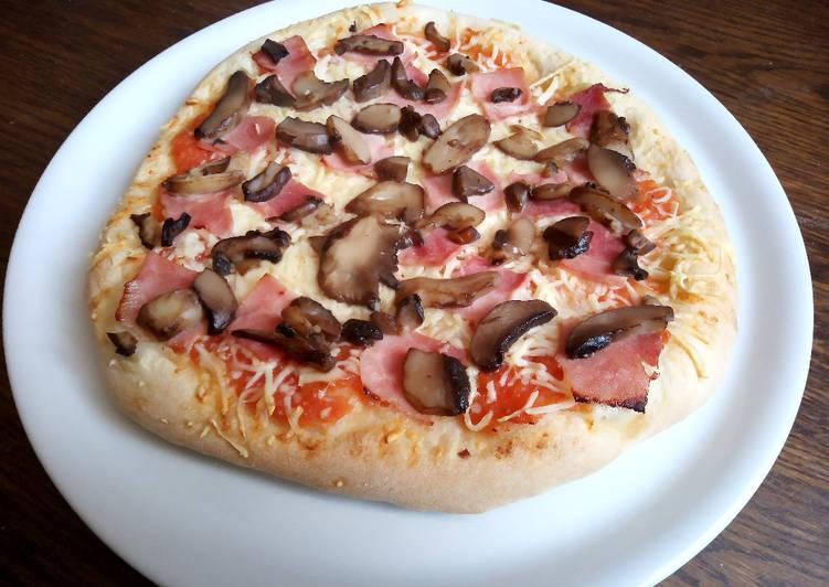 Pizza jambon champignon
