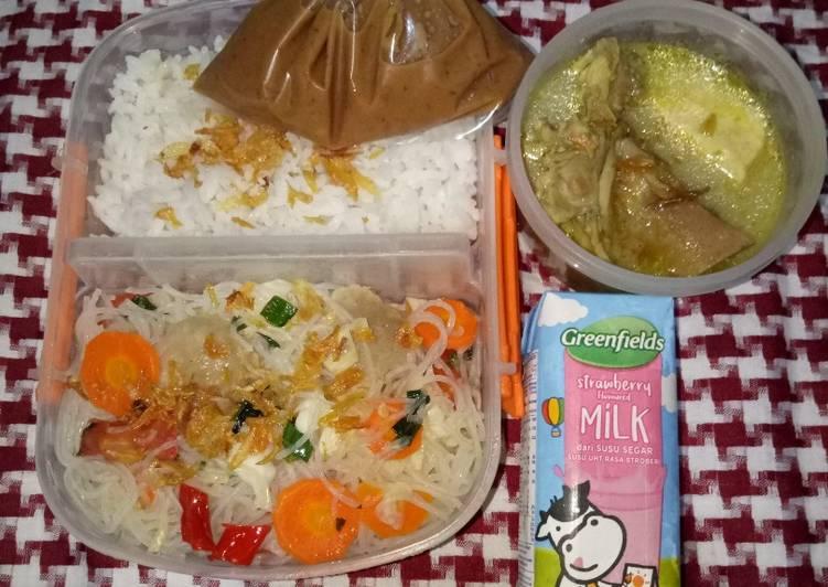 Resep BEKAL SUAMI (Gulai Ayam Nangka Tahu, Bihun Goreng Baso Sambal Kacang) Terbaik