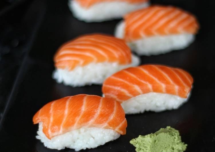 Resep Sushi Salmon Oleh Najma Fiq Cookpad