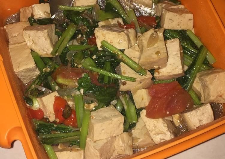 Tumis sawi hijau + tahu putih pedas enak!