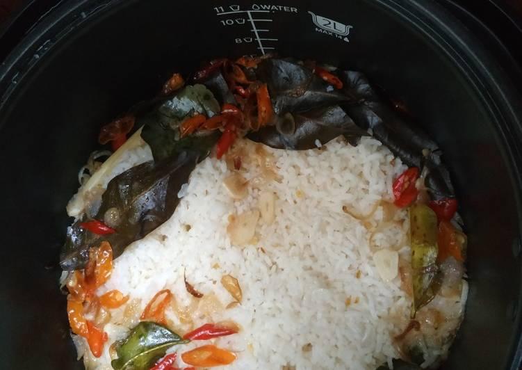 Nasi Liwet Ricecooker Sederhana - cookandrecipe.com