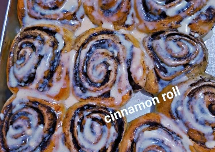 Cinnamon roll cheese cream