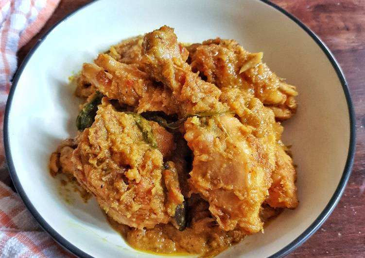 Rendang Ayam Kuning