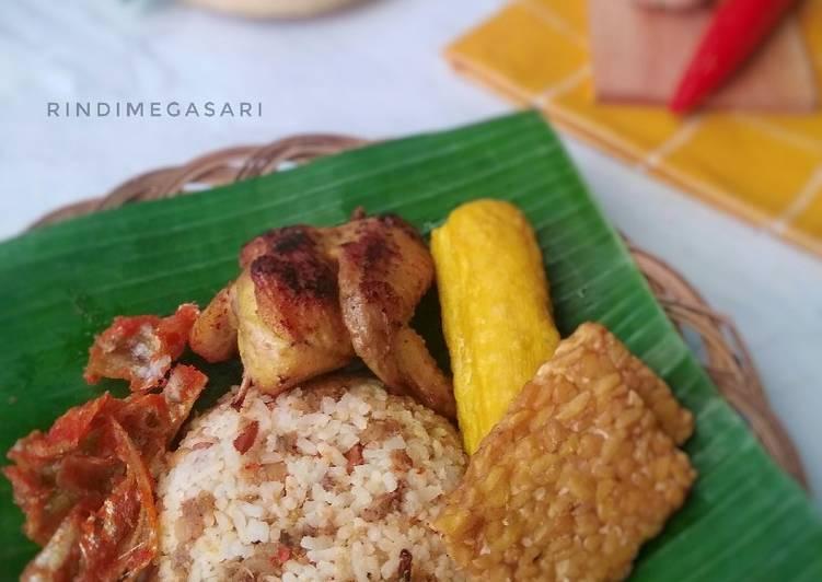91. Nasi Tutug Oncom + Ayam Ungkep Kuning + Asin Balado