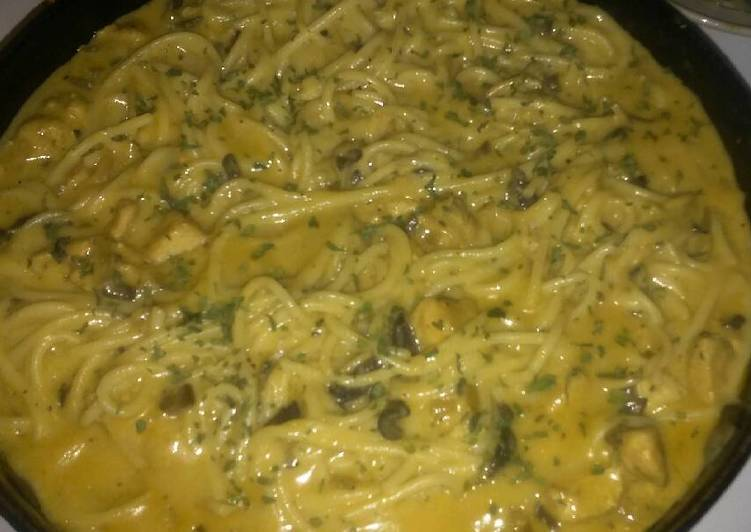 My Cheesy Chicken Alfredo w Mushrooms