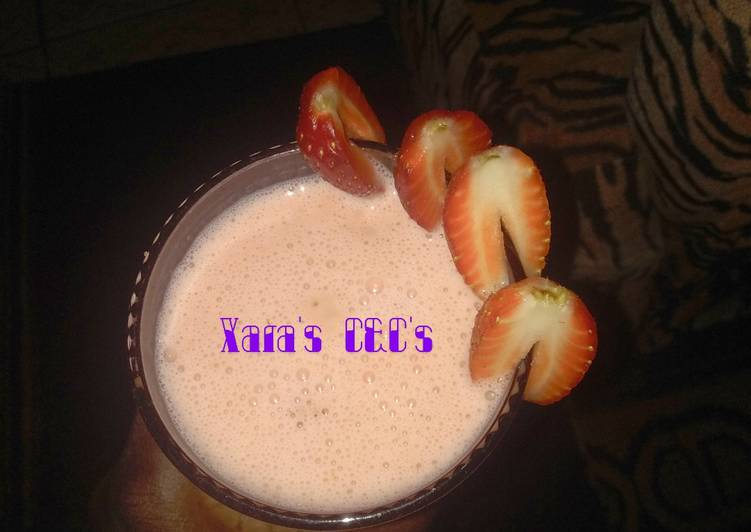 Recipe: Appetizing Strawberry milk shake