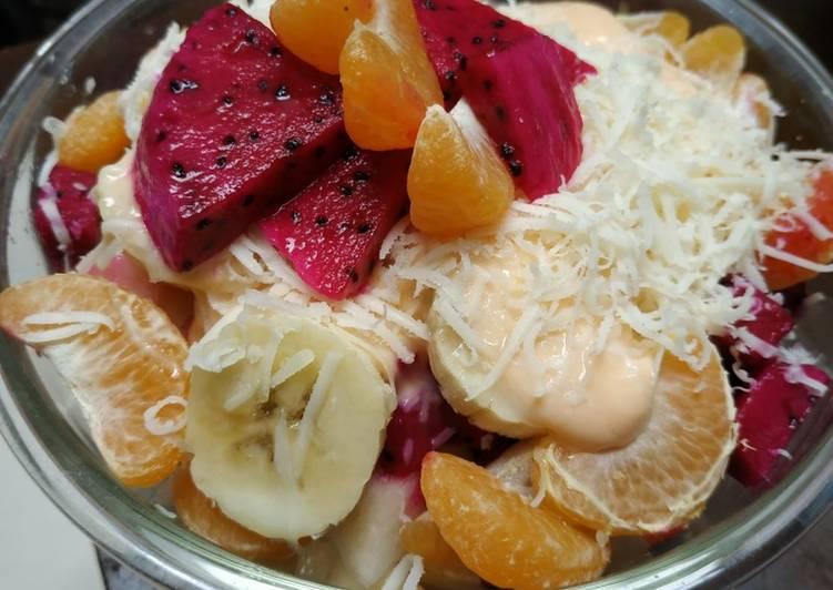 Salad buah yogurt - cookandrecipe.com