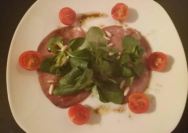 Smoked tuna carpaccio salad