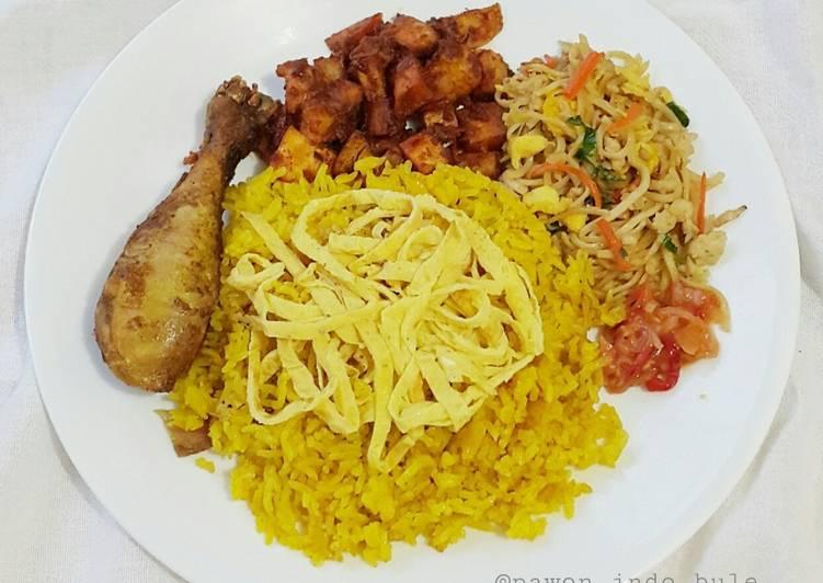 Yellow/Turmeric Rice in Rice Cooker