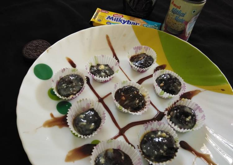 Simple Way to Prepare Homemade Orio white chocolate balls