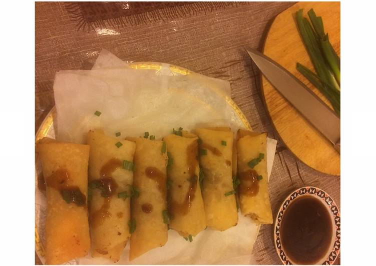 Chinese •Spring rolls• with sweet sauce