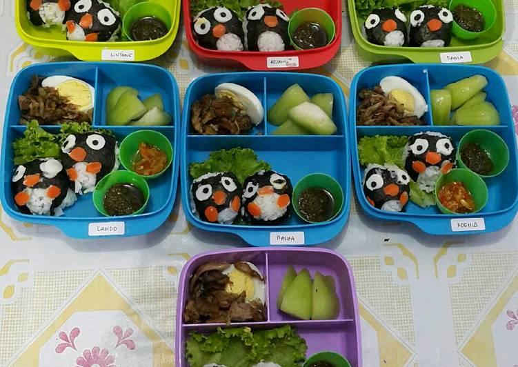"""Cara Membuat Bekal Anak Bento """"Nasi Bebek Pinguin""""😄😍😘👍 Enak"""