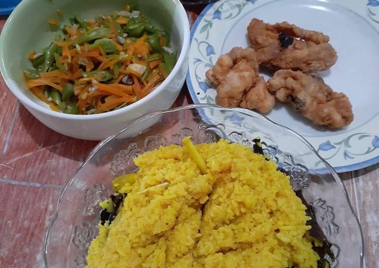 Nasi kuning dan pelengkapnya