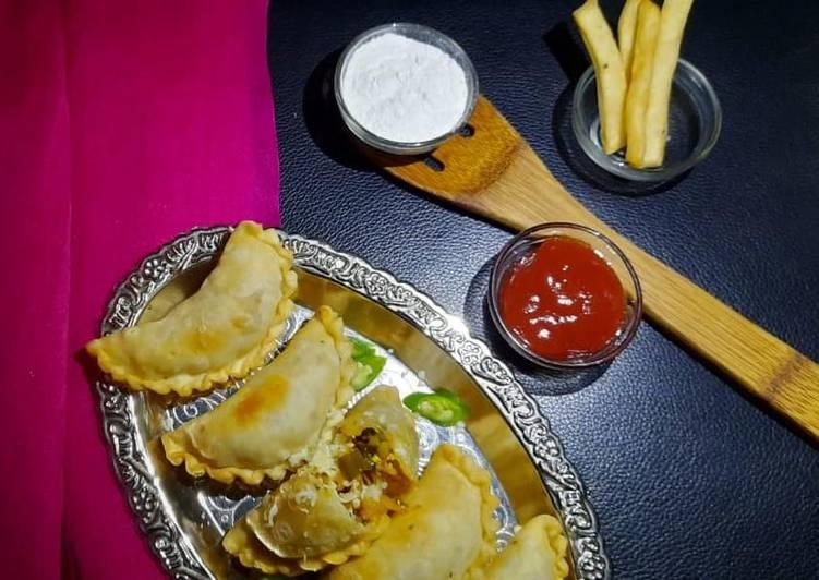 वेज नमकीन गुजिया (Veg Namkeen Gujiya recipe in Hindi) रेसिपी बनाने की विधि  in Hindi by Swati Nitin Kumar - Cookpad