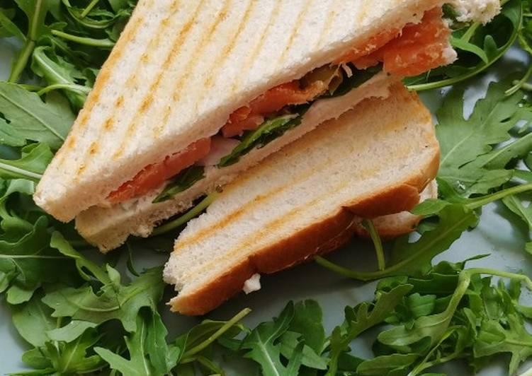 Recipe: Flavorsome Smoked salmon sandwich
