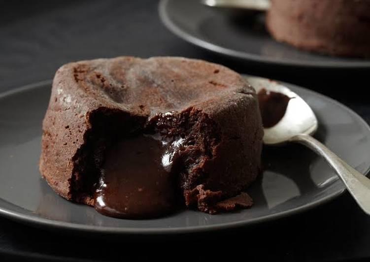 Choco lava biscuit cake