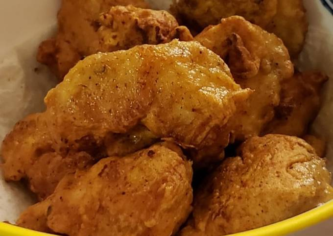 Chicken pakoras (fried chicken bites)