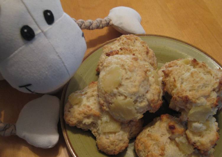 Pineapple & Coconut Hot Biscuit (Scone)