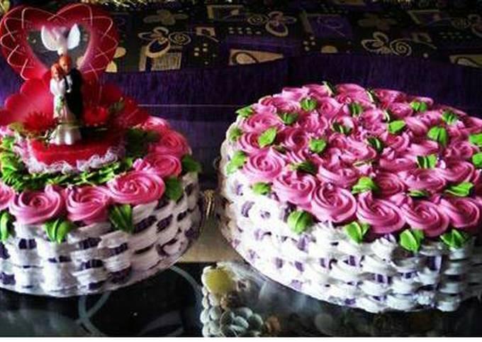 Wedding cakes,,flower basket