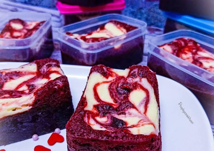 Red Velvet Cheese Brownies