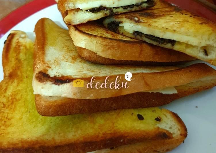 Roti Bakar Teflon (breakfast praktis)