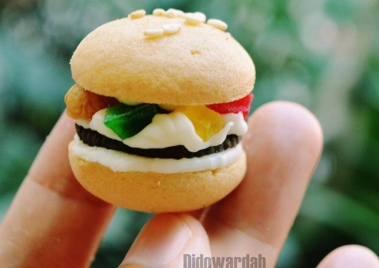 Kukis Eggdrop Bentuk Burger Anti Ribet Anti Gagal | No Mixer, No Oven - cookandrecipe.com