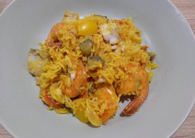 番茄海鲜饭 Paella