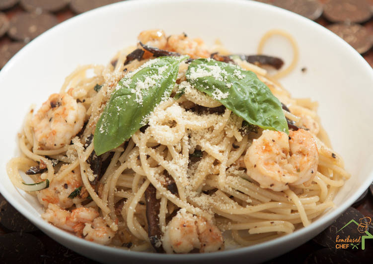Step-by-Step Guide to Prepare Award-winning Shrimp Pasta with Shitake Mushroom
