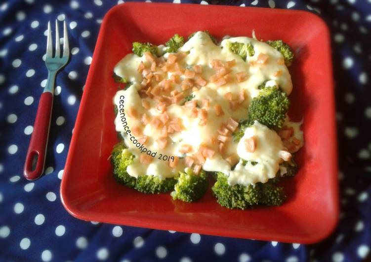 Resep Brokoli Kukus Saus Keju Oleh Alexandra Widya Cookpad