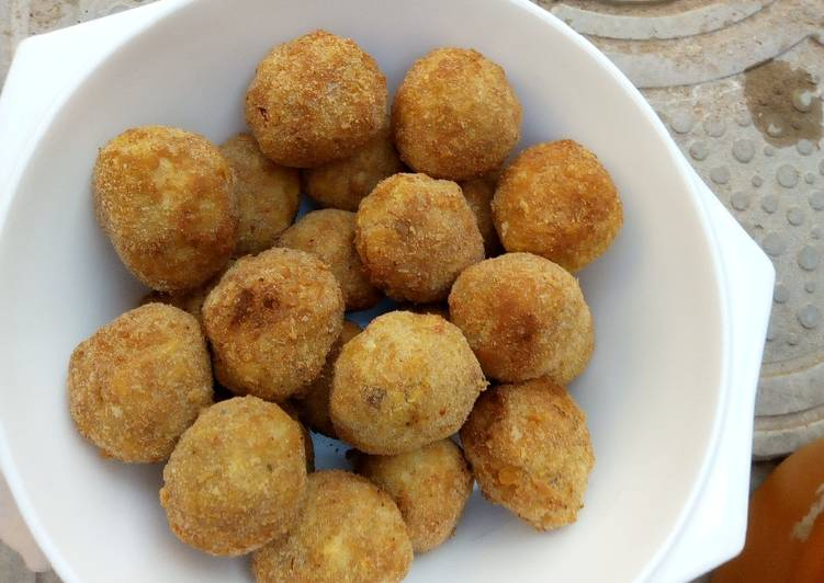 Yam balls with bread crumbs