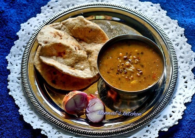 5 Minute Recipe of Love Langer dal with tandoori roti in kadai