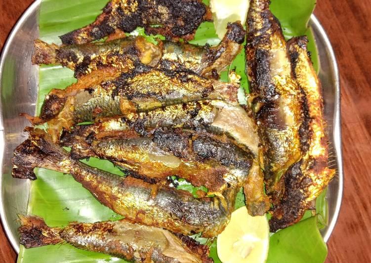Fish fry on banana leaf